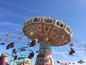 carousel-939399_1920